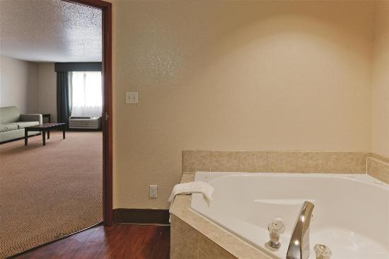 Balch Springs, TX: Guest room