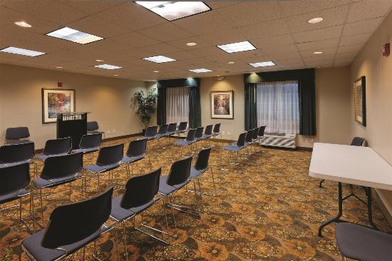 Balch Springs, TX: Meeting room
