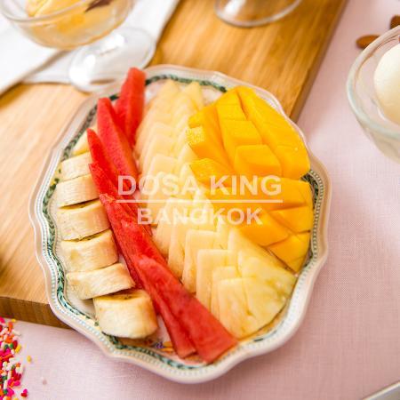 ร้านอาหาร โดซ่า คิงส์: Healthy Fresh Fruit Platter at Dosa King Bangkok