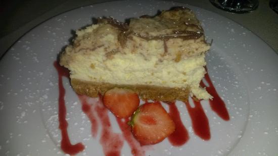 Little Weighton, UK: Cheesecake dessert at the Rowly Manor