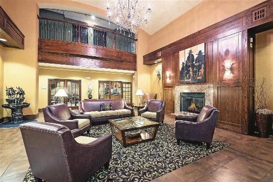 Richland Hills, TX: Lobby view