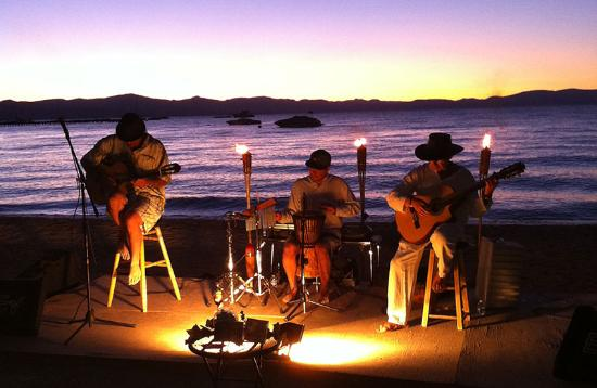 Tahoe Lakeshore Lodge And Spa Music On The Beach