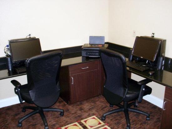 La Quinta Inn & Suites Macon West: Business center