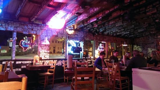 One Star Ranch: Restaurant/bar area