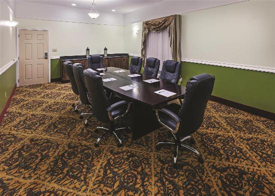 Raymondville, TX: Meeting room