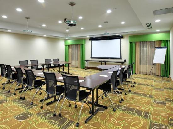 لا كوينتا إن آند سويتس ممفيس وولفتشيز: Meeting room