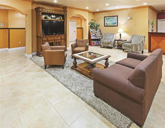 La Quinta Inn & Suites Ada: Lobby view