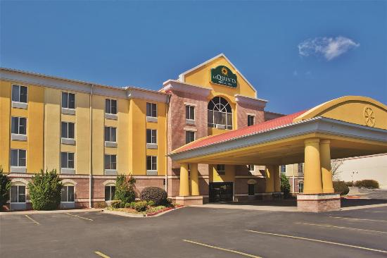 Photo of La Quinta Inn & Suites Hot Springs