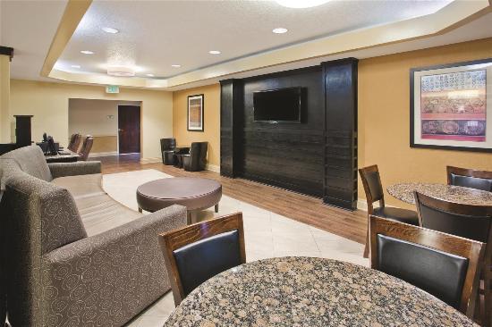 La Quinta Inn & Suites Hot Springs: Lobby view