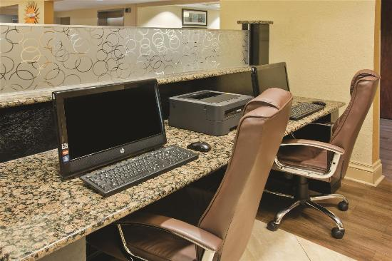 La Quinta Inn & Suites Hot Springs: Business center