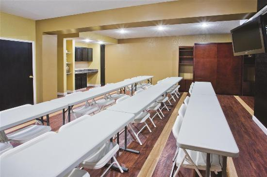 La Quinta Inn & Suites Hot Springs: Meeting room