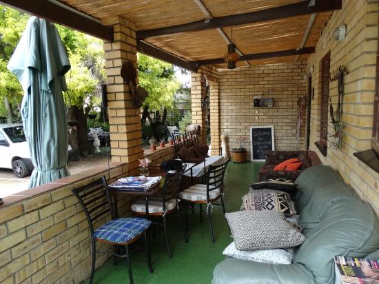 Simonsberg Guest House: nice porch..