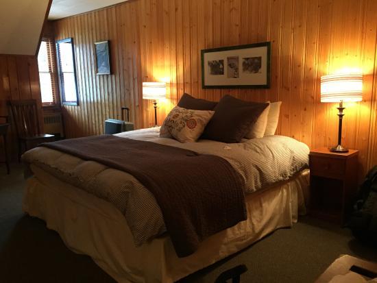 Num-Ti-Jah Lodge: Room