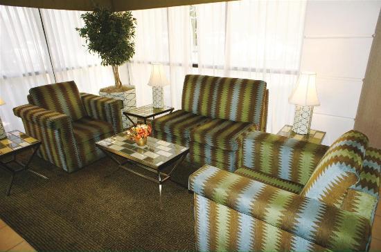 La Quinta Inn & Suites Baltimore BWI Airport: lobby