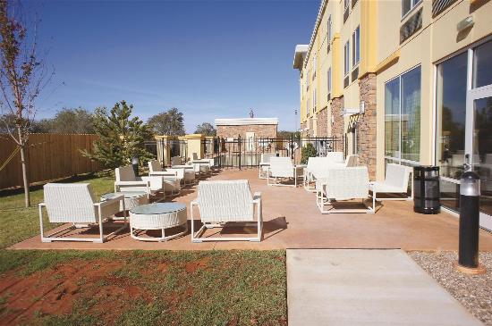 La Quinta Inn & Suites Elk City: Exterior view