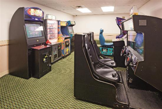 La Quinta Inn & Suites Milwaukee Bayshore Area: Arcade