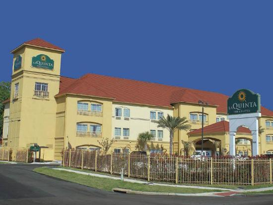 Photo of La Quinta Inn & Suites Houston - Normandy