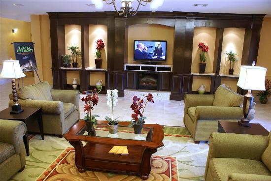 La Quinta Inn & Suites Houston East at Normandy: Lobby