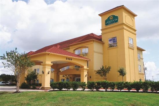 Photo of La Quinta Inn & Suites Angleton