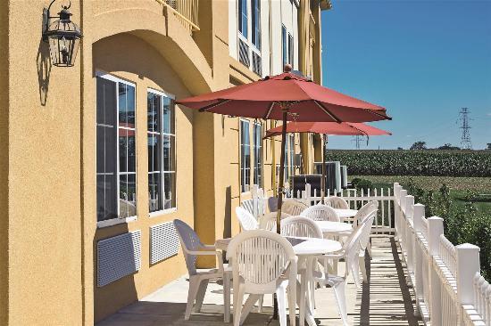 La Quinta Inn & Suites Lancaster: Exterior view