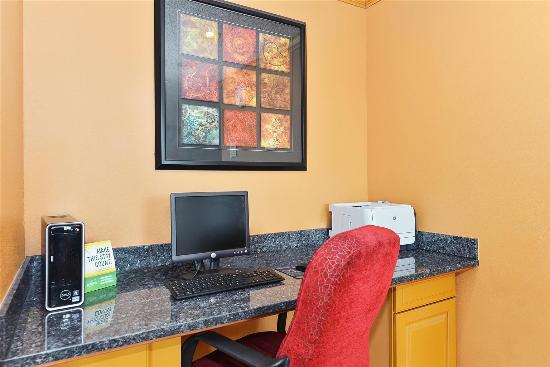 La Quinta Inn & Suites Lafayette: Business center