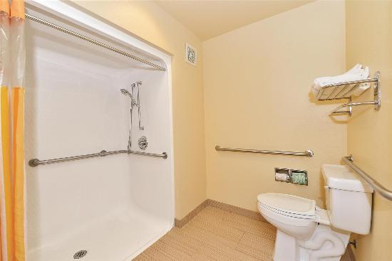 La Quinta Inn & Suites Lafayette: Guest room