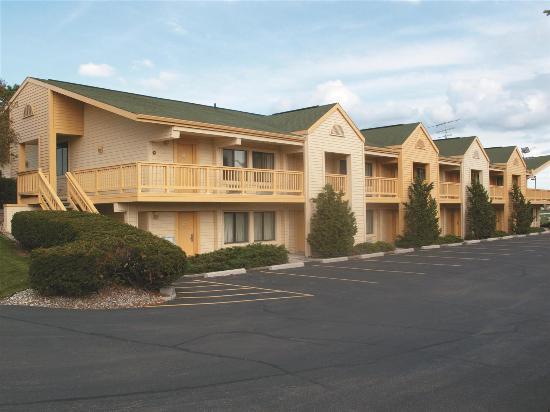 Hotels Near Fox River Mall Wi