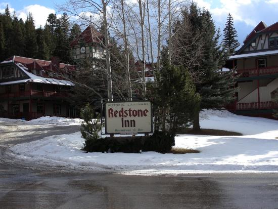 The Redstone Inn: View from Redstone Blvd