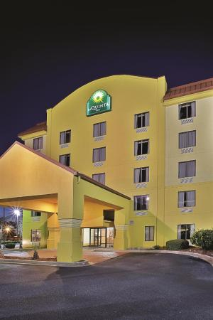 La Quinta Inn North Myrtle Beach: Exterior view