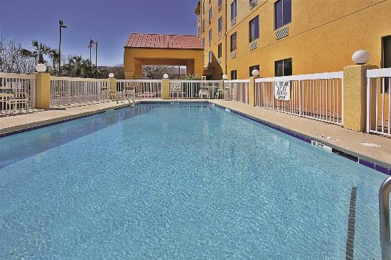 La Quinta Inn North Myrtle Beach: Pool view