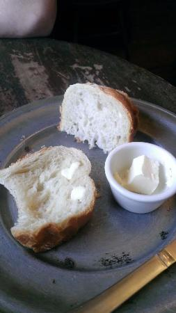 Upperville, Virginie : The best bread and butter of your life
