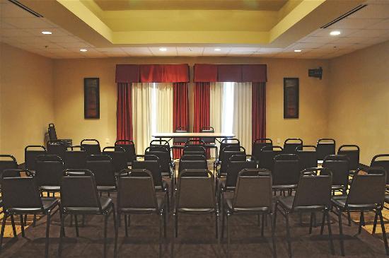 La Quinta Inn & Suites Hammond: Meeting room