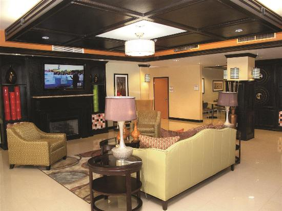 La Quinta Inn & Suites Little Rock - Bryant: Lobby view