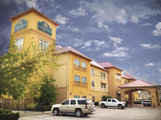 Photo of La Quinta Inn & Suites Hillsboro