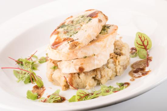 Morris Tap & Grill: Chicken Roulade