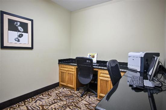 La Quinta Inn & Suites Iowa: Business center