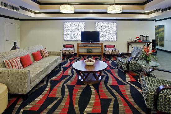 La Quinta Inn & Suites Conway: Lobby view