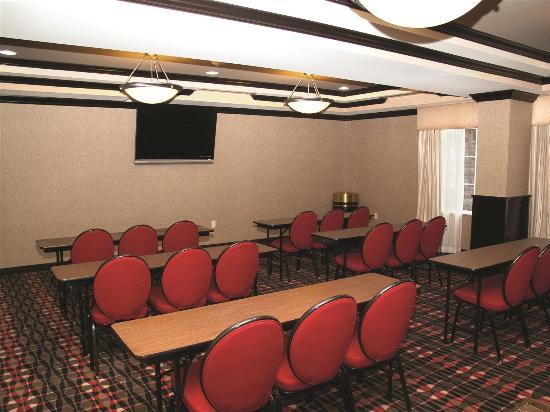 La Quinta Inn & Suites Conway: Meeting room