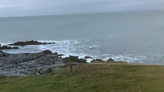 Corofin, ไอร์แลนด์: Wasser trifft auf Fels