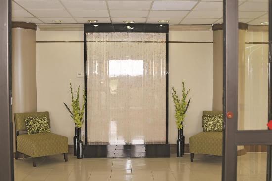 La Quinta Inn Sweetwater: Lobby view