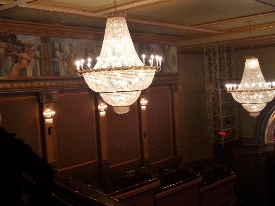 Wall decor & chandeliers are beautiful - Picture of Lyric Theatre ...