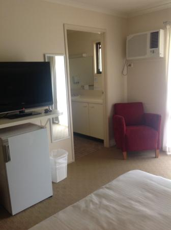 Lake Hume Village, Australia: Roomy but basic