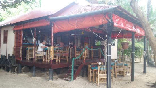 Little Corn Beach and Bungalow: eating facility