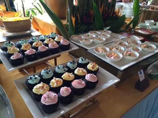 Bluewater Panglao Beach Resort: Dessert