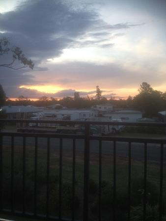 Chinchilla, Australia: Sunset from Room 5