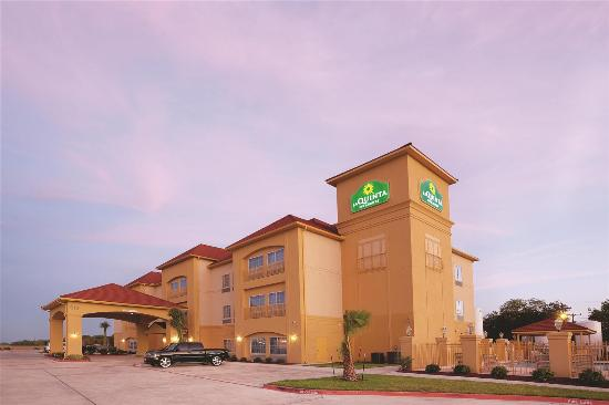 La Quinta Inn & Suites Port Lavaca: Exterior view