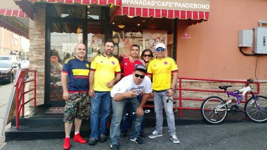 Passaic, NJ: Noches De Colombia