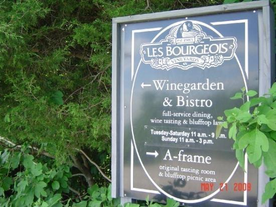 Rocheport, MO: Les Bourgeios Winery and Bistro