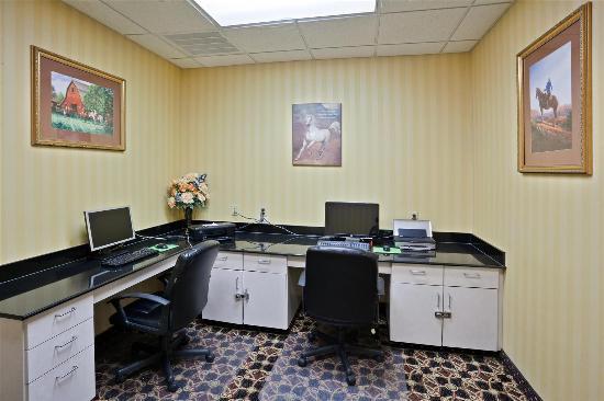 La Quinta Inn & Suites Dodge City: Business center