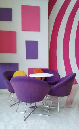 Colorful Lobby Picture Of Favehotel Mt Haryono Balikpapan